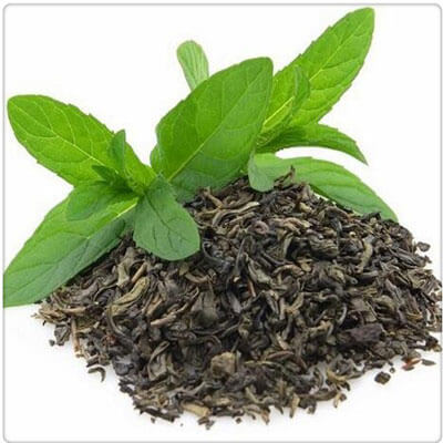 dried tea leaves making solution